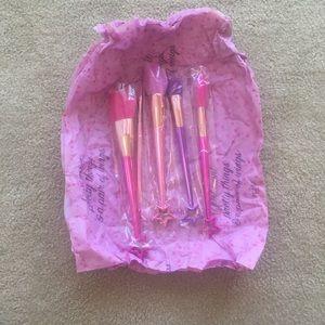 Fairy brushes